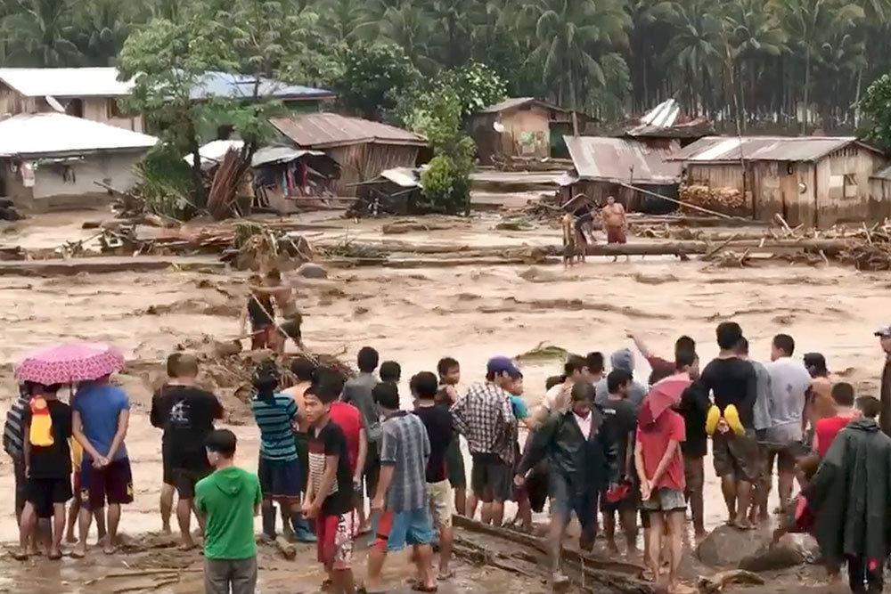 Death toll in landslides, floods in Philippines exceeds 122