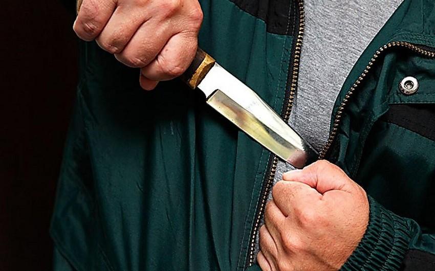Bakıda 36 yaşlı kişi özünü bıçaqladı