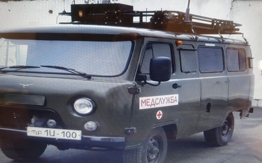 Армяне превратили автомобили скорой помощи в командный пункт