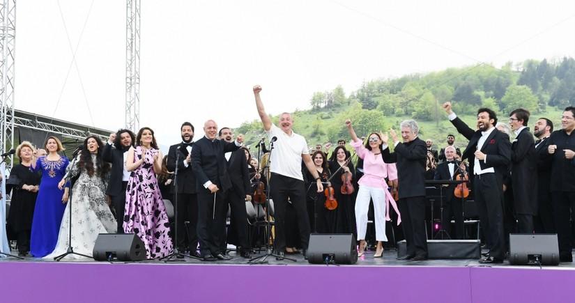 Музыкальный фестиваль «Харыбюльбюль» в Шуше завершился гала-концертом