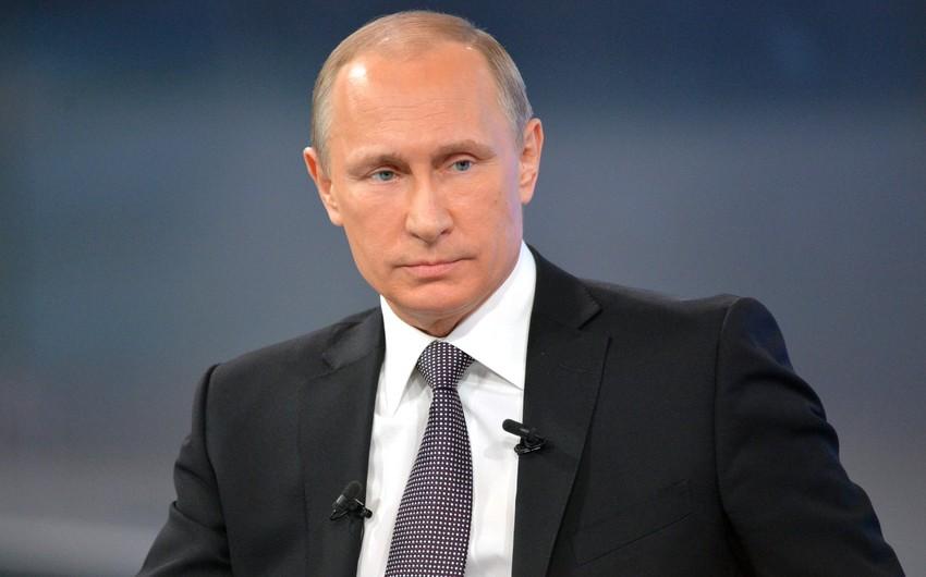 Vladimir Putin Fransa səfərindən imtina edib