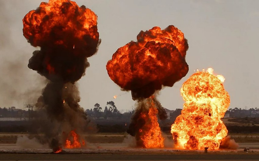 В Пакистане произошло 2 взрыва