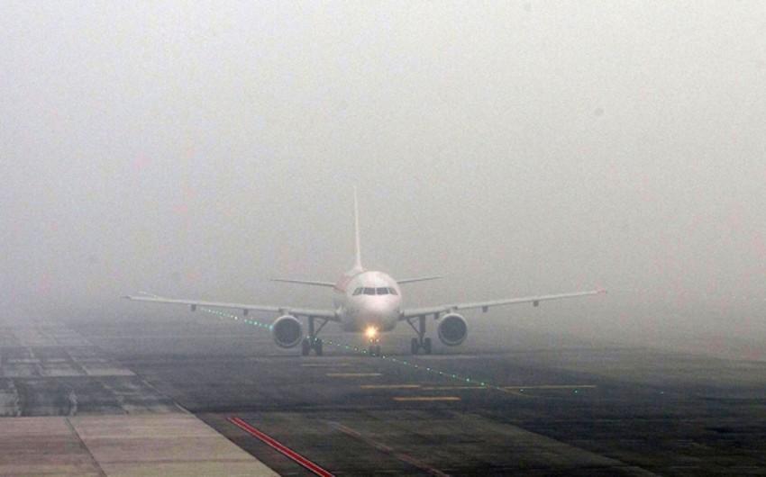 Dumanlı hava Bakı aeroportunun işinə təsir etməyib