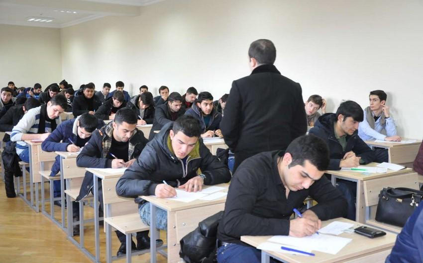 Bakıda tələbə dərs vaxtı bıçaqlanıb - FOTO