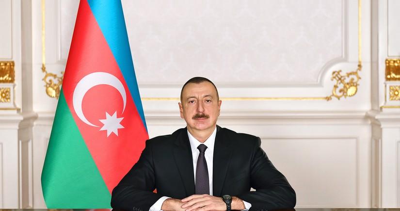 Ильхам Алиев поздравил президента Беларуси