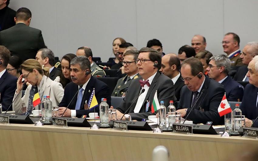 Müdafiə naziri NATO-nun toplantısında iştirak edib - FOTO