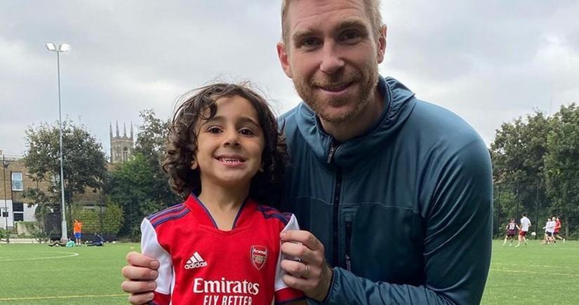 Arsenal 4 yaşlı futbolçu ilə müqavilə imzalayıb