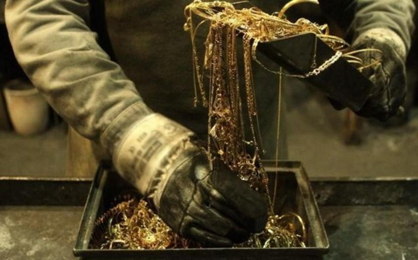 Abşeronda evdən 20 min manatlıq qızıl-zinət əşyaları oğurlanıb