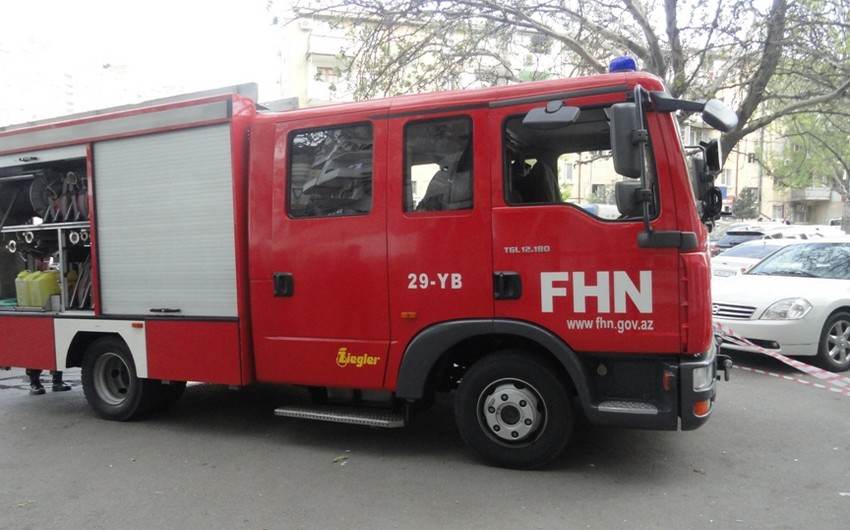 FHN: Sumqayıtda yaşayış binasında yanğın olub, 10 nəfər təxliyə olunub