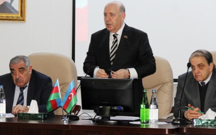 Rektor Əhliman Əmiraslanov: Xalqımız öz qanı bahasına azadlığına qovuşub