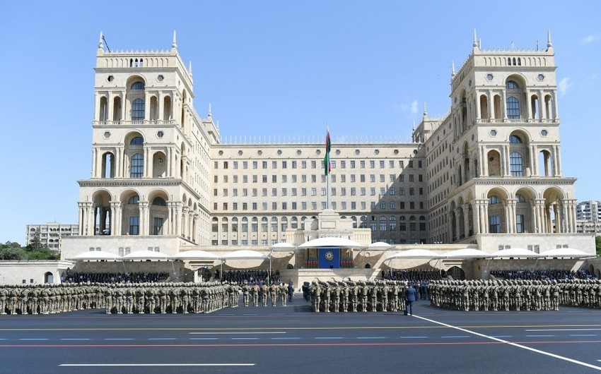 Military parade is held at Azadlig Square in Baku - UPDATED