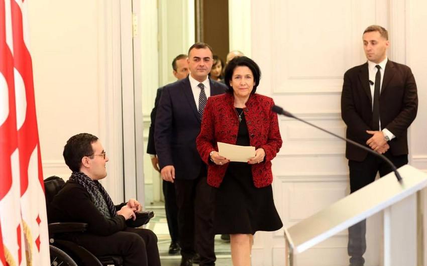 Gürcüstan Prezidentinin komandasında azərbaycanlı gənclərin yer alması xahiş olunub