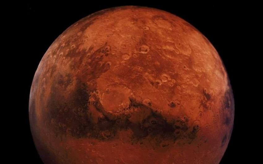 Marsa səyahətə çıxanın ömrü 2,5 il azalacaq