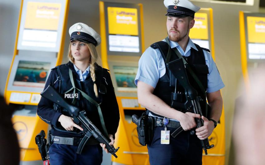 Almaniyada polis sinaqoq ətrafında əməliyyat keçirib