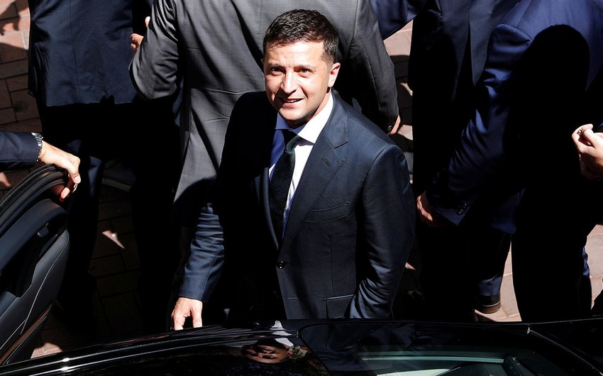 Ukrayna prezidenti ştatdankənar üç müşavirini vəzifədən azad edib