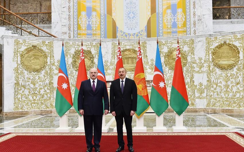 Prezident İlham Əliyev Aleksandr Lukaşenkonu Azərbaycana rəsmi səfərə dəvət edib
