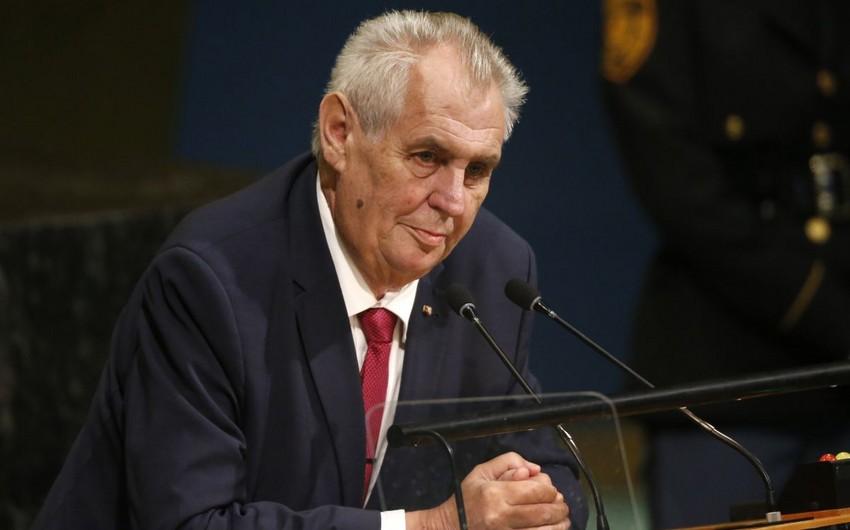 Miloş Zeman yenidən Çexiya prezidenti seçilib