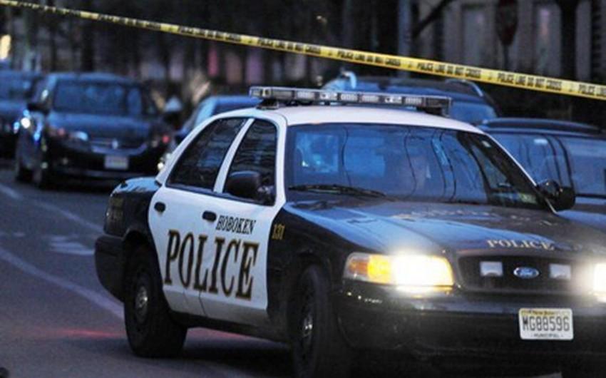 ABŞ-da məktəb binası qarşısında iki nəfər güllələnib
