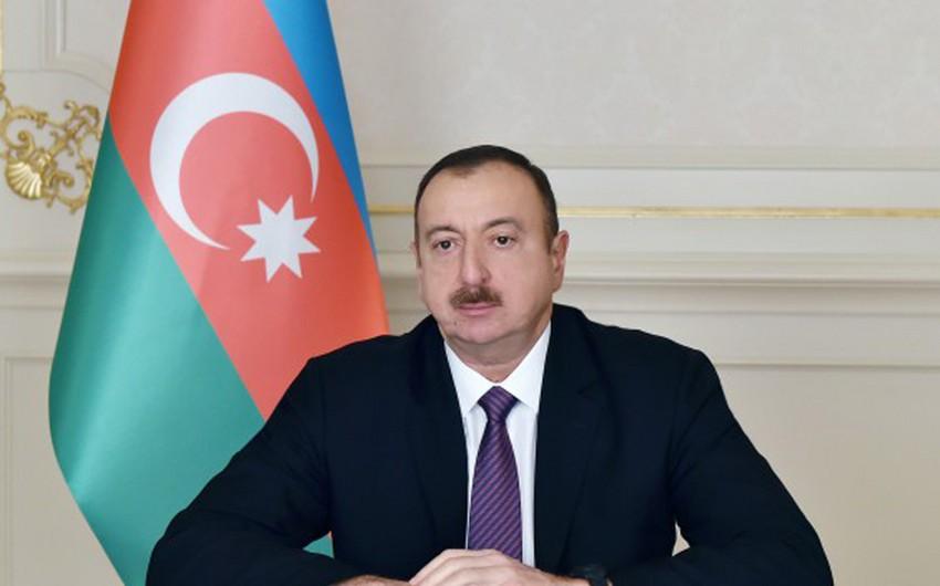 Azərbaycan Prezidenti polşalı həmkarını təbrik edib