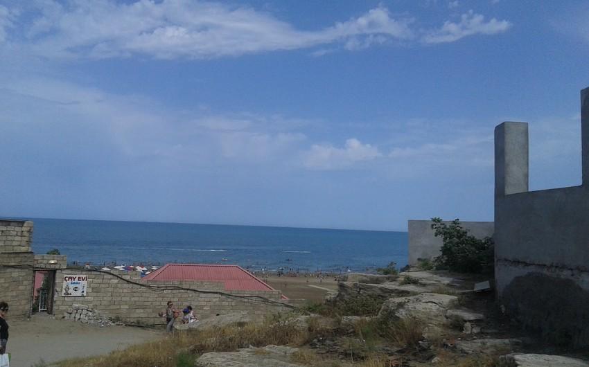 На бакинских пляжах 23 владельца объектов привлечены к ответственности