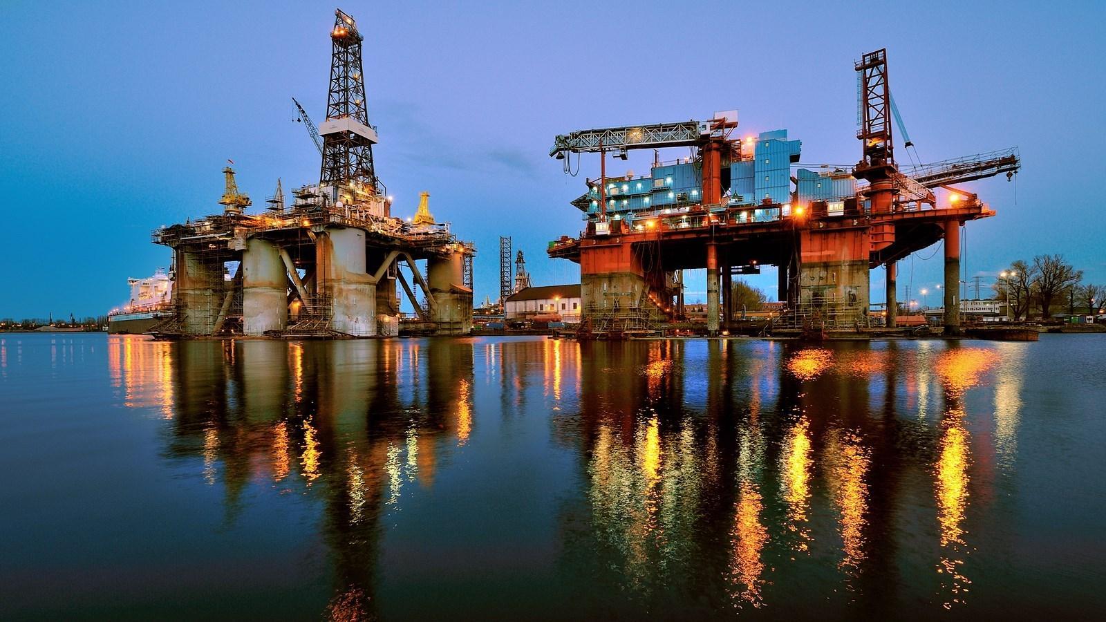 Azərbaycan nefti 2% bahalaşıb