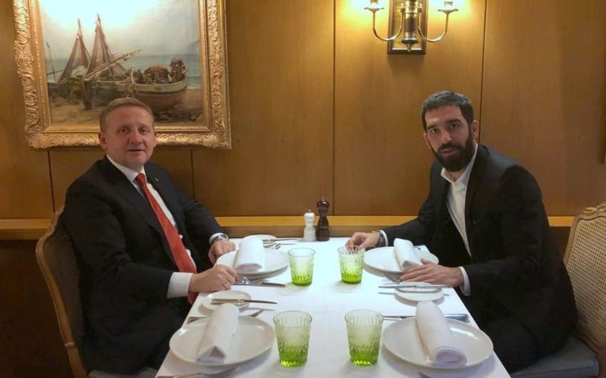 Arda Turanın Başakşehirə transferi razılaşdırılıb