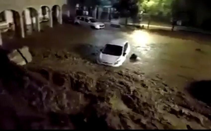 İspaniyada şəhəri su basıb, bir neçə nəfər ölüb - FOTO - VİDEO