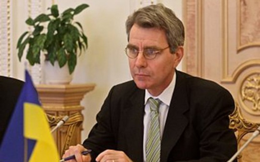ABŞ səfiri Ukrayna prezidentinə çağırış edib