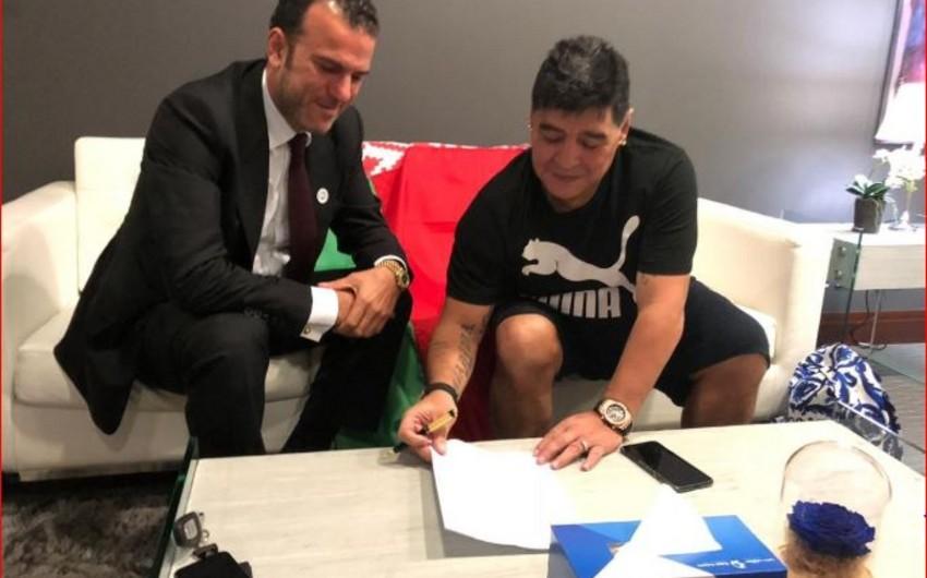 Maradona Belarusun Dinamo klubunun idarə heyətinə sədr seçilib