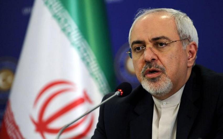 Зариф прокомментировал распоряжение Трампа сбивать иранские корабли