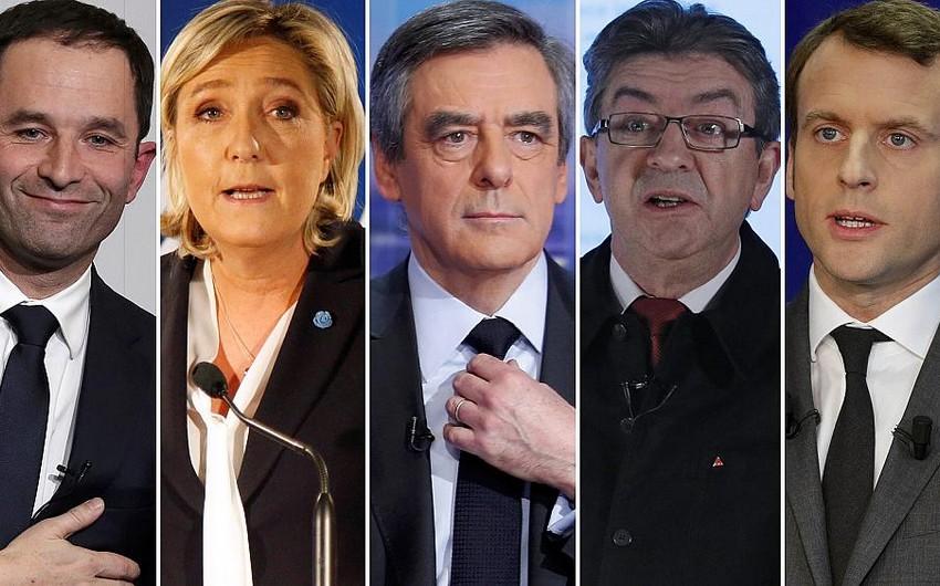 Fransada prezidentliyə namizədlər seçiciləri Emmanuel Makrona səs verməyə çağırıblar