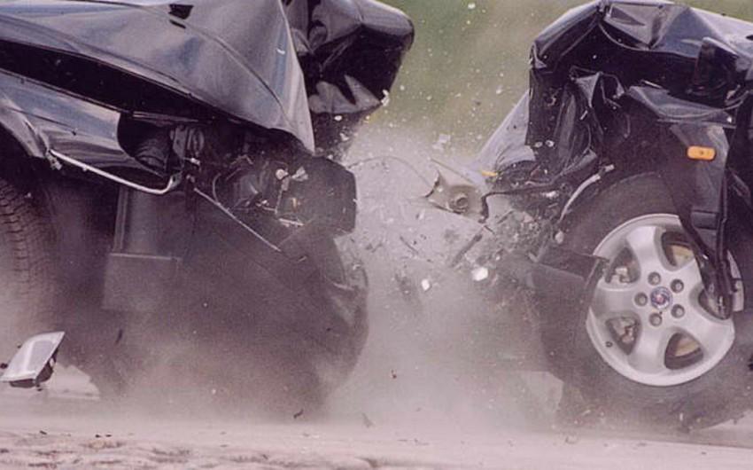 Paytaxtda piyada zəncirvari qəzaya səbəb olub, sürücülərlə onun arasında mübahisə yaranıb