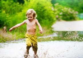 Ученые доказали, что детям полезно играть в грязи