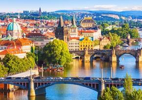 Czech Republic closes borders as coronavirus cases soar