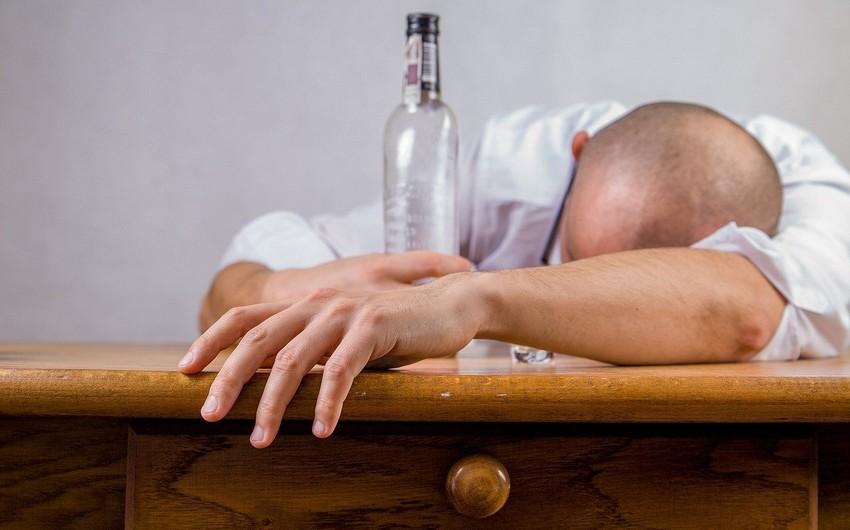 Spirtli içkinin təsirindən ayılmağın yolları