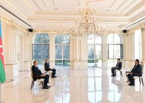 Президент Азербайджана принял верительные грамоты послаРумынии