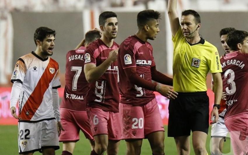 Azərbaycan millisinin futbolçusu İspaniyada 2 oyunluq cəzalandırılıb