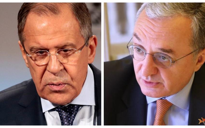 Лавров и Мнацаканян обсудили размещение российских миротворцев в Карабахе