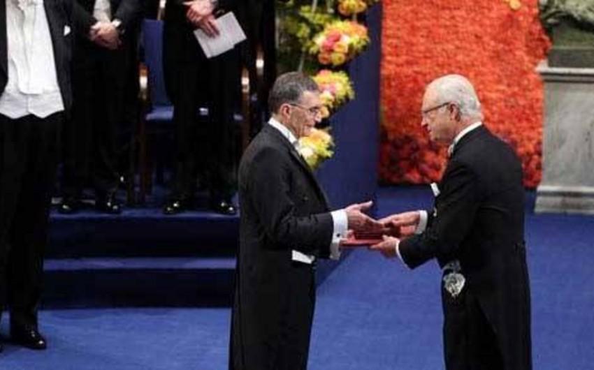 Türk əsilli alimə Nobel mükafatı təqdim edilib