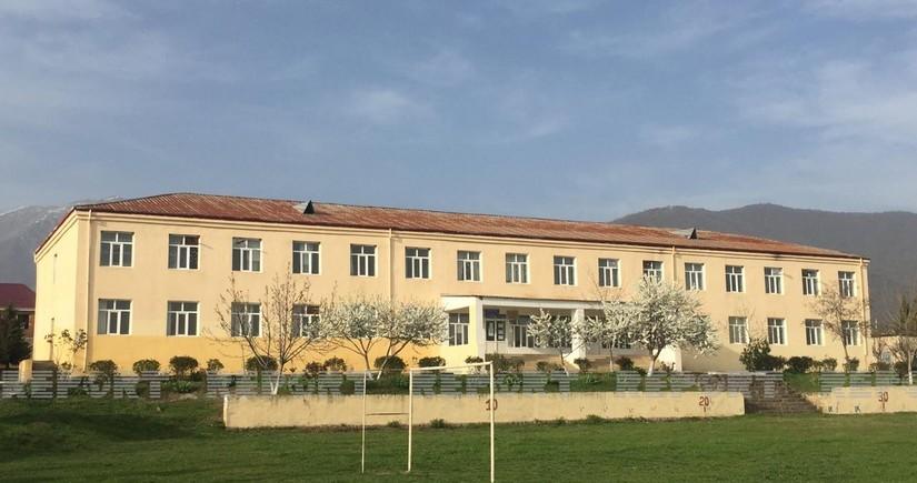 В Азербайджане еще одна школа закрылась из-за коронавируса