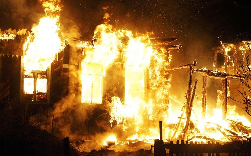 Quba rayonunda ev yanıb