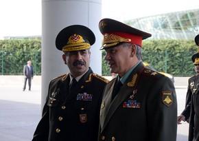 Azerbaijani, Russian Defense Ministers hold phone conversation