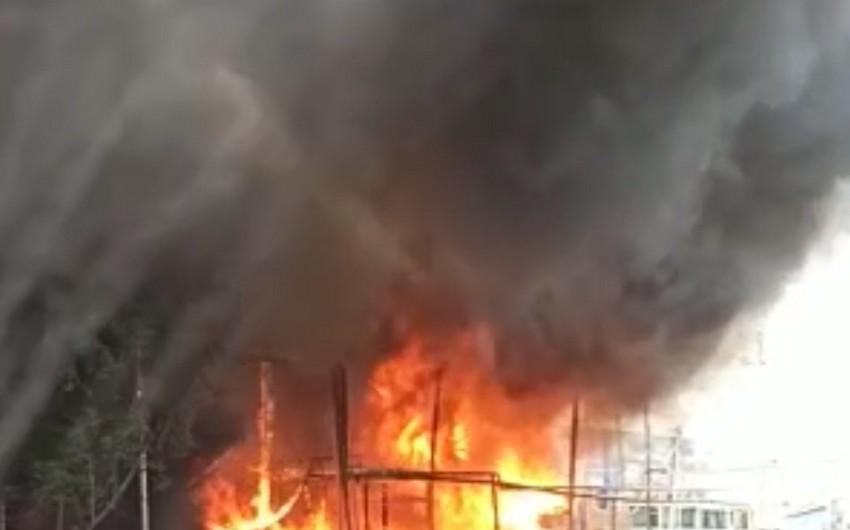 Bakının Binəqədi rayonunda baş verən yanğın söndürülüb - FOTO - VİDEO - YENİLƏNİB -2