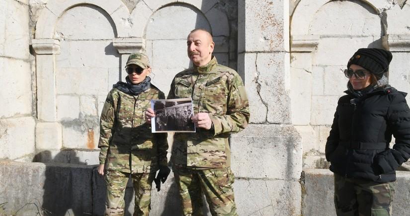 Ильхам Алиев: В то время я стоял на этом месте рядом с отцом