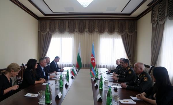 Закир Гасанов встретился с министром экономики Болгарии
