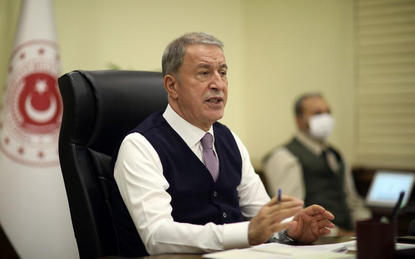 Хулуси Акар: Турция выступает за снижение напряженности между РФ и Украиной