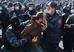 Armenian police begin detaining protesters demanding Pashinyan's resignation