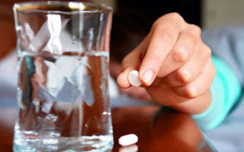 В Билясуваре молодая женщина пыталась покончить с собой, приняв медикаменты