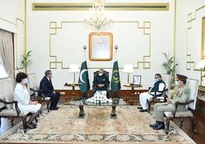 Azerbaijani ambassador presents his credentials to President of Pakistan