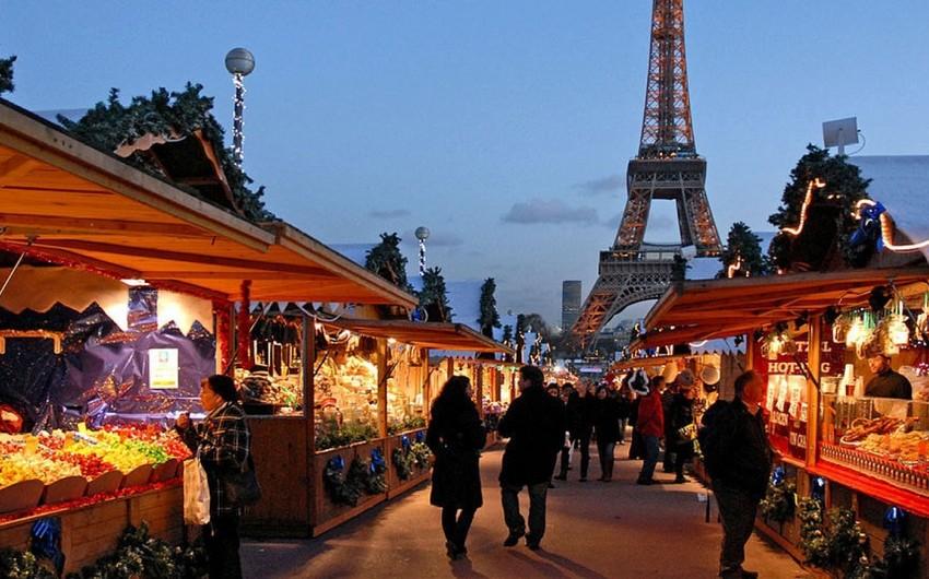 Parisdə Milad yarmarkalarına girişlərdə nəzarət gücləndirilib